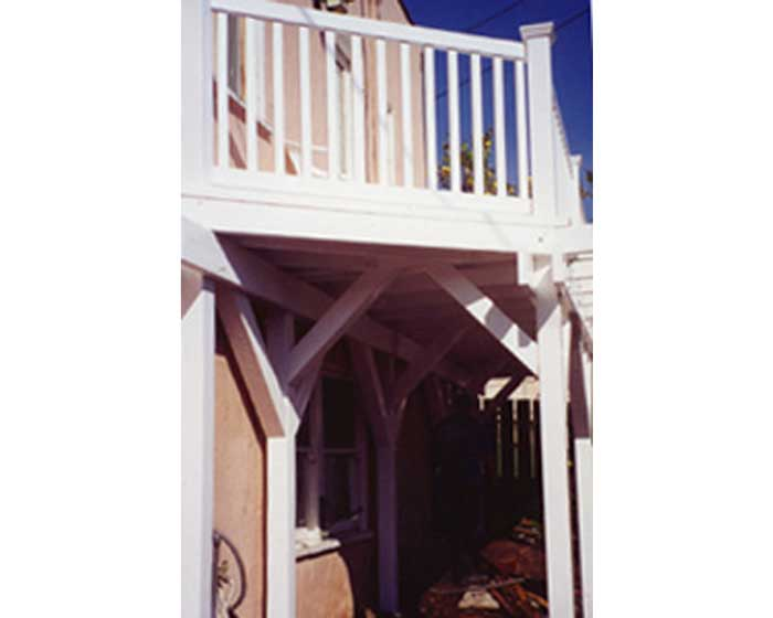 Balcony Railing with Square Pickets
