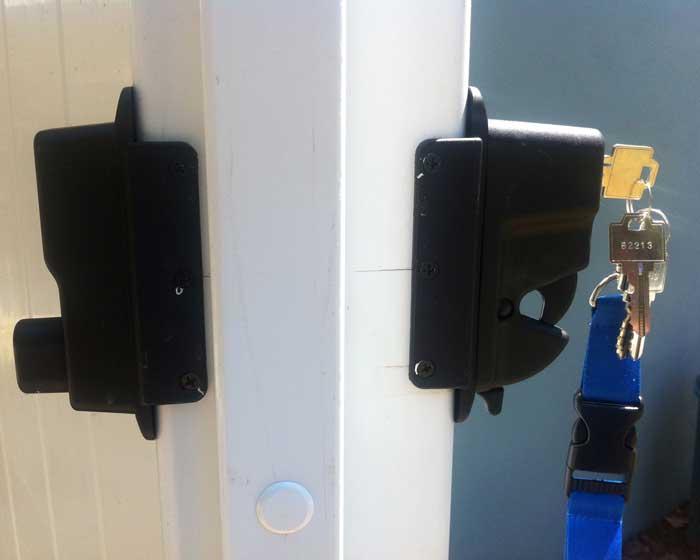 Keylock gate hardware