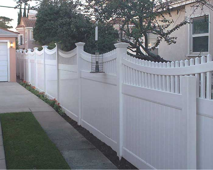 Privacy Fence with scalloped Picket Accent